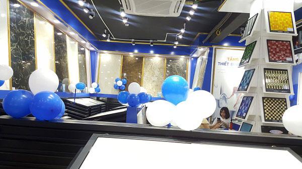 khong-gian-showroom