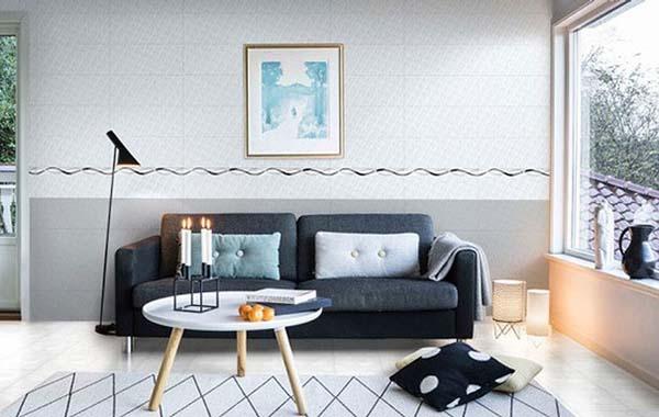 Hình ảnh gạch tạo điểm nhấn cho phòng khách và chống ẩm cho tường