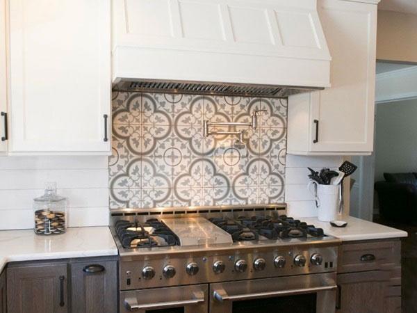 BST gạch bông ốp tường phòng bếp và Mẹo trang trí cực đỉnh 18