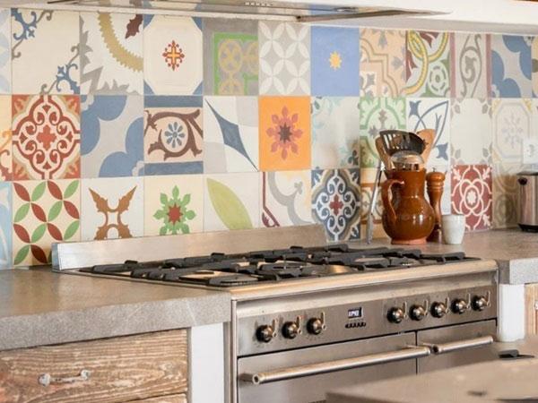BST gạch bông ốp tường phòng bếp và Mẹo trang trí cực đỉnh 21